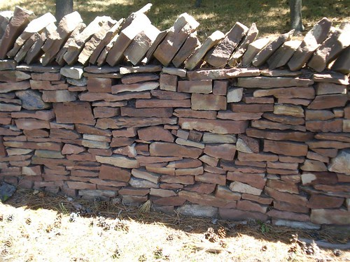 NiagaraFalls: Stone wall