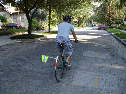 Alternatives to the Safety Flag - BikeCommuters com