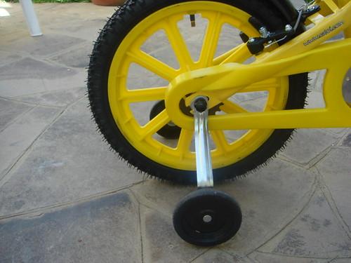 bicicleta infantil com rodinhas normais