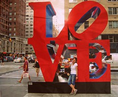 LOve (sue'sie) Tags: summer sculpture ny newyork love museum manhattan moma verano sept amo 2010 clasic amust avoftheamericas