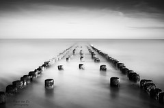 just another one 3 (Frank van Es http://www.frankvanes.eu) Tags: longexposure le vanishing groynes domburg palen golfbreker langesluitertijd explored bestcapturesaoi elitegalleryaoi