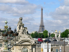 Place de la Concorde - Paris (France) (Meteorry) Tags: paris france tower square europe place eiffeltower eiffel toureiffel concorde alexandre clowdy clowds placedelaconcorde pontalexandreiii alexandreiii meteorry