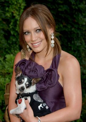 hilary_duff_much_love_animal_rescue_benefit_at_playboy_mansion_1