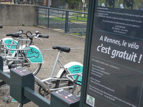 A free bike rack in Rennes. Photo by Paul Erlichman