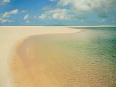 BAZARUTO, MOZAMBIQUE (Andr Pipa) Tags: africa sea praia beach mar sand paradise areia indianocean tropical mozambique paraso moambique trpico 100faves natureswonder oceanondico maravilhanatural pansyisland ilhadepansy andrpipa barazuto photobyandrpipa