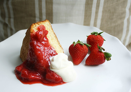 busy day cake + strawberry rhubarb compote