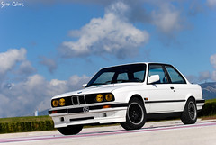B*rr* White - BMW 318is e30 (calians.sevan) Tags: world auto new sunset red sea sky white black france color art cars beautiful car wheel speed canon dark french rouge paul photography grey photo amazing nikon focus europe pretty shoot photoshoot photos m1 wheels dream automotive 330 exotic turbo photograph bmw z4 nikkor m3 rim rims circuit 325 blanc luxury m6 z3 m5 supercar v8 luxe v10 e30 ricard vitesse vehicule x5 bimmer e46 e90 x3 e36 z8 e60 castellet x6 e39 d80 e92