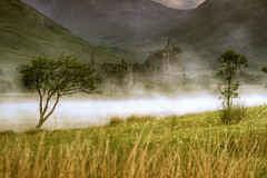 Loch Awe (and some old building) (BoboftheGlen) Tags: mist castle scotland argyll loch awe lochawe dalmally kilchurn the4elements