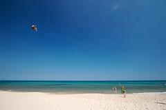 Paraglider (Michael Nagel) Tags: beach tunisia paraglider tunesien canonefs1022mmf3545usm