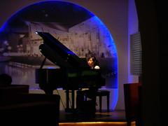66酒館 鋼琴演奏