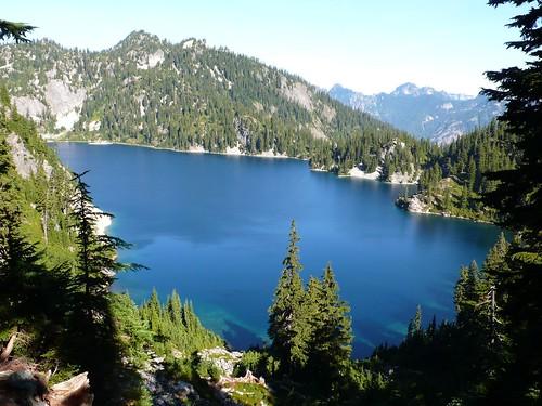 湛藍的Snow lake