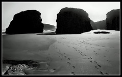 Praia das catedrais (Jordi Meneses S.) Tags: bw spain galiza blancinegre ascatedrais fotoguia jordimenesess jordimeneses
