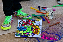 (Jaz Q6r) Tags: red orange 3 black green colors yellow canon notebook shoes phone funky mug coloring maha roda ador jazq6r mahooy