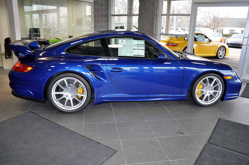 i 39 m looking for a 997 gt2 6speedonline porsche forum and luxury car r. Black Bedroom Furniture Sets. Home Design Ideas