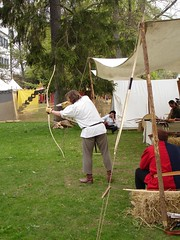 Medieval bow and arrow shooting (roninX) Tags: castle germany fight medieval tournament bow sword knight arrow peasant villingen