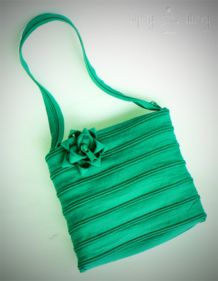 continuous zipper purse teal