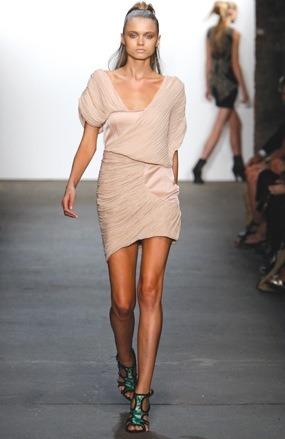 Moda mujer verano 2010, ropa para mujer de Thakoon