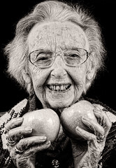 Granny Smith - Edna Spurway (michael_kennedy_photos) Tags: portrait blackandwhite history granny grannysmith apply