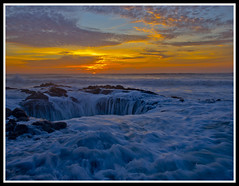 Thor's Well (Esto perpetua 11-29) Tags: sunset beautiful oregon canon blowhole 7d pacificnorthwest oregoncoast fcg cookschasm canoneos7d canon7d fotocompetitionbronze fotocompetitionsilver fotocompetitiongold canonefs1585is onlythebestofnature oregoncoast2010