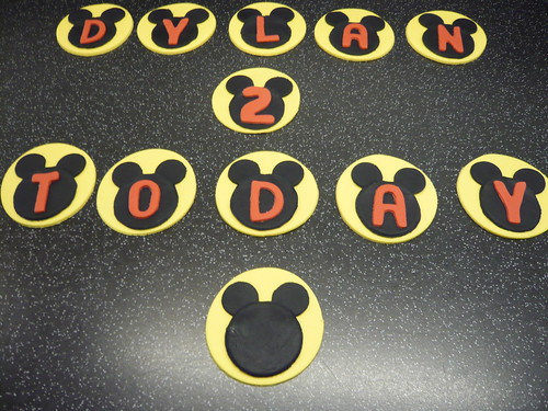 Mickey Mouse Cupcake Topper (3)