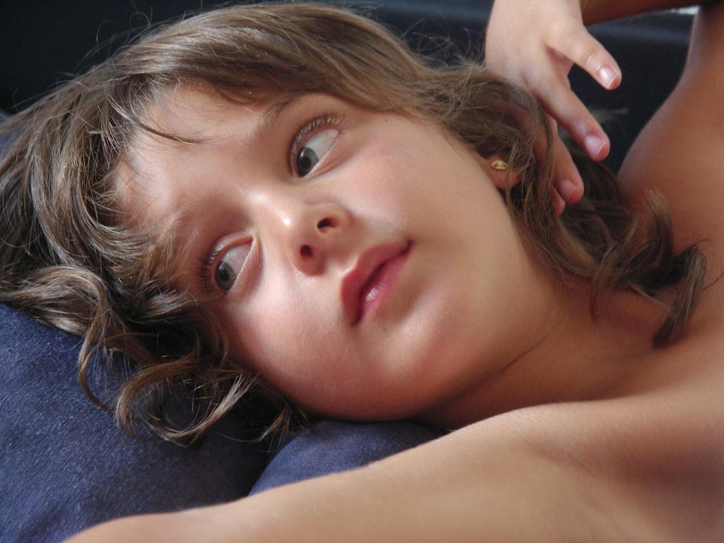 Cojiendo Con Los Niños A Un Lado -