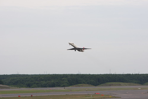 JAL's MD-87 just after taking off