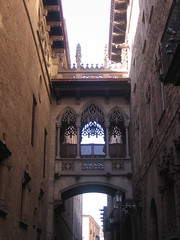 Barcelona - Pont del Carrer del Bisbe (Carquinyol) Tags: barcelona catalonia catalunya pasoscatalans