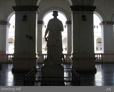 victoria_statue