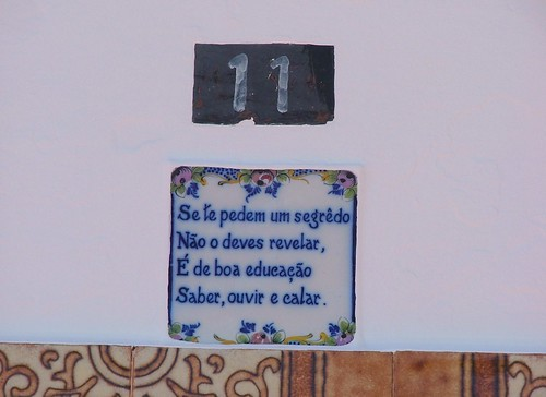 Orada, Alentejo, quadra popular sobre porta de casa alentejana von moitas61.