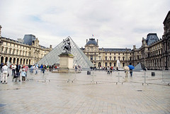 Pyramids of the Louvre (misstl_8) Tags: paris thelouvre