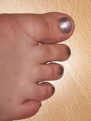 Lo's purple toes