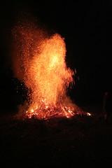 Hot rain (Piero Raffin) Tags: red italy fire italia fuoco fal friuli pordenone veneto friuliveneziagiulia caneva otw panevin ortolan sarone
