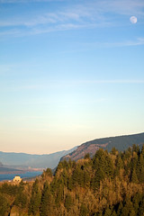 Moon Over Crown Point (Ian Sane) Tags: moon oregon digital canon river point eos rebel over columbia crown gorge xsi