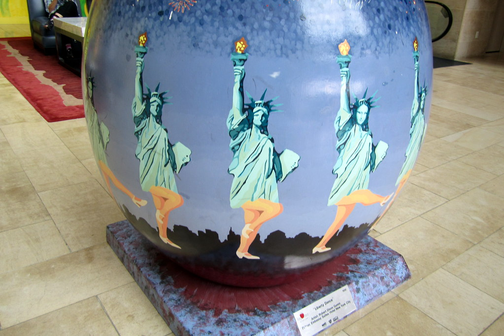 NYC - Battery Park City: Embassy Suites Hotel - Liberty Dance