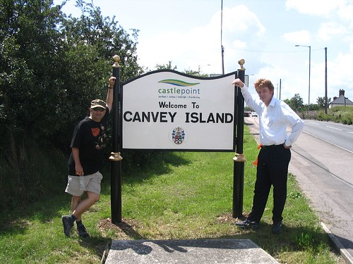 Photo:The new 'Welcome to Canvey' Sign.