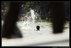 Water Spash (lenish) Tags: bws boatrace alleppy allapuzha bangaloreweekendshoots vallamkali lenish lenishnamath nehruboatrace2007 nehruvallamkali2007 nehruvallamkali august11triptoalappuzha bwstriptoalappuzha