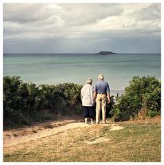 0807_VIEUX_01.jpg (Hrvoje Go) Tags: love couple bretagne blad hasselblad amour paysage vieux portra400vc 500cm cotesdarmor moyenformat 3eage