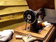 Máquina de coser II (Jorgelixious) Tags: fuji finepix campo sewingmachine coser maquina olmue s5600