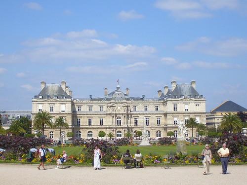 Sénat vue du jardin du Luxembourg