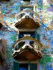 Casa Battlo (Rod Liamzon) Tags: barcelona unesco gaudi houseofbones houseofyawns houseofthedragon