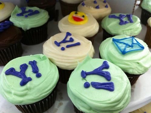 Cute Yahoo cupcake!!!!! Minty flavor