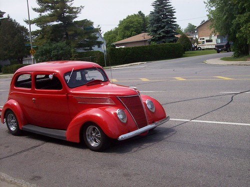 A 1937 Ford Tudor (Two-Door) on Meadowlands Drive in Nepean.