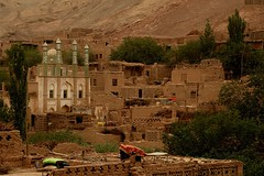DSC_1142_tuyuguo_mosque (kdriese) Tags: china village desert muslim mosque adobe uighur xinjiang silkroad turpan taklamakan turfan nikond200 may2007 kendriese tuyuguo