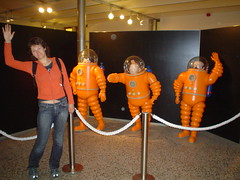 howdy from the moon (Gunillka) Tags: brussels orange girl museum europe comic belgium space astronaut suit strip tintin youngwoman scaphandre gunillka