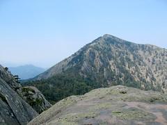 Au col sous le sommet N du Tretorre: le Monte Cervellu