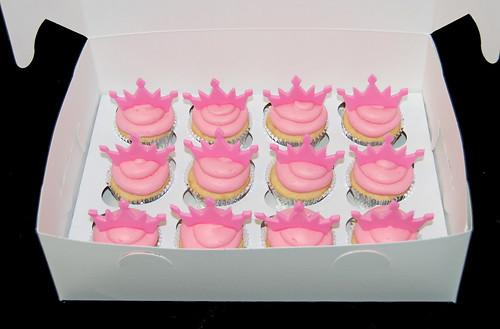 Pink Tiara cupcakes
