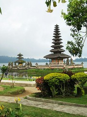 IMG_1087 copy (troodee) Tags: bali lake temple shrine beratan
