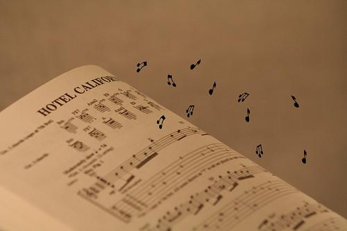 Flying Music by FadderUri.