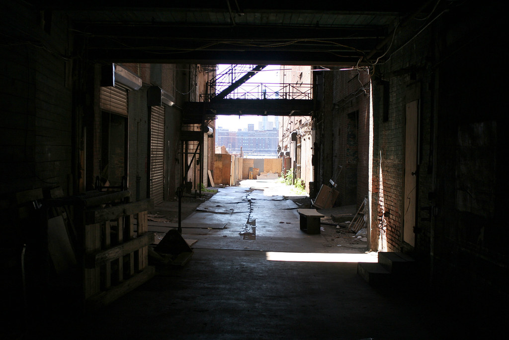 Alley to the back