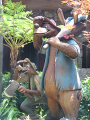 (Joe_B) Tags: disneyland s2is splashmountain image:Shot=60 image:name=img0083 roll:num=2119 event:Type=disneyland event:Group=family address:Tag=disneyland event:Code=200779 image:Roll=2119